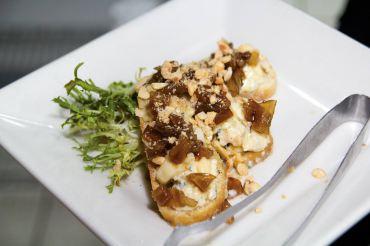 Pear and Cambozola bruschetta