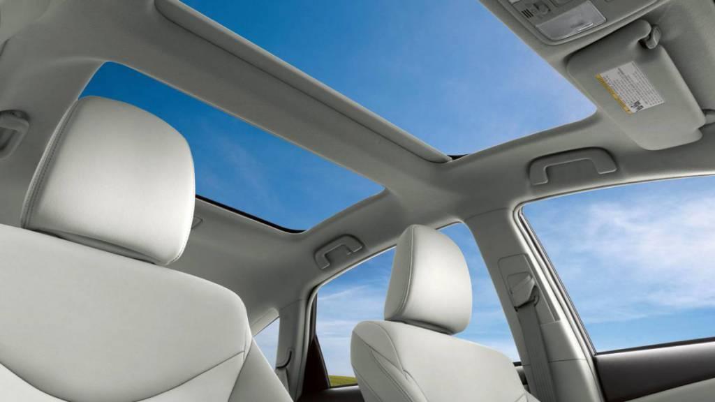 2017 Toyota Prius V Sunroof