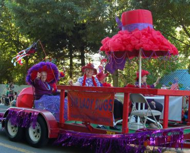 Fathom O Fun parade
