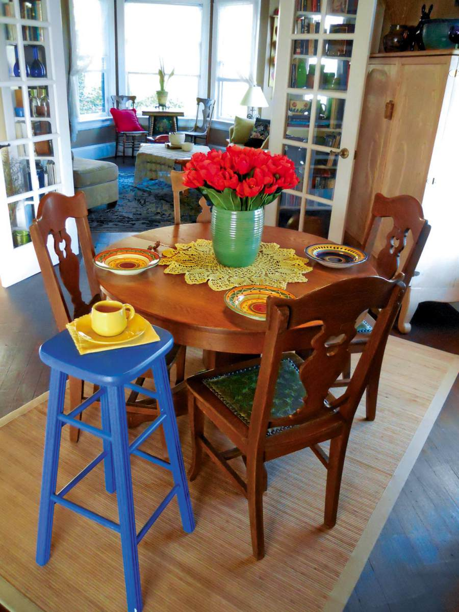 Wshg net the chair featured the home august 12 for Furniture world bremerton