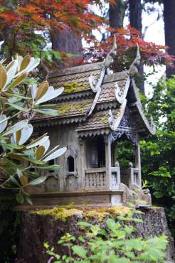 Jim Valley: Thai spirit house