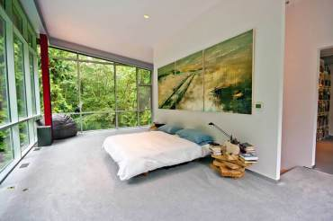 Minimalist Living Thoroughly Modern Tranquility
