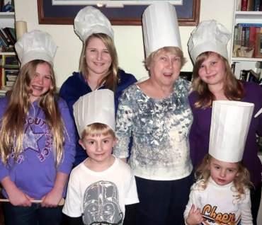 Millie Lindell and her five grandchildren