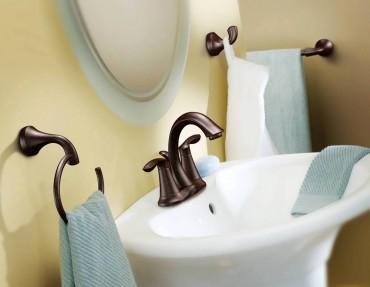 Moen 4-inch spread faucet — Eva