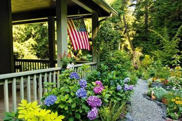 Margie and Jerry Breunig — Dedicated Gardeners