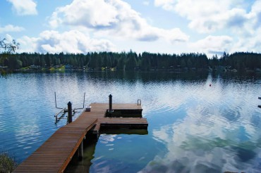 Peaceful Mason Lake is just minutes from Allyn. Good fishing, too!