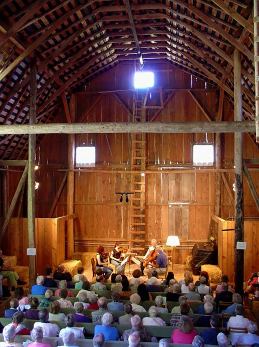 Wshg Net Olympic Music Festival Concerts In The Barn