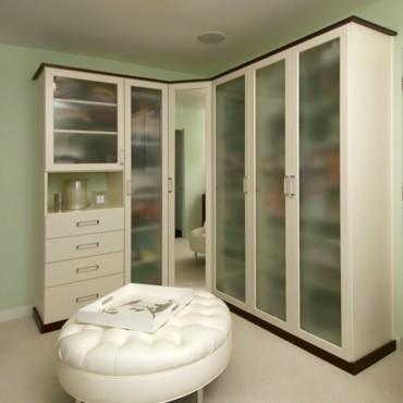 A formal closet design by Beverly Bradshaw Interiors (Photo courtesy Gregg Krogstadt)