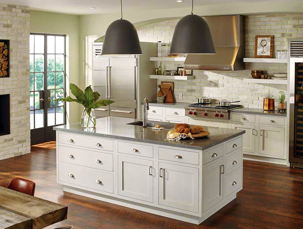 (Photo By StarMark® Cabinetry)