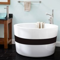 Mem Japanese-style soaking tub by Valley Acrylics