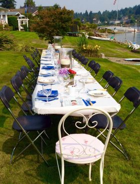 Plein-air dining goes hand in hand with summer!