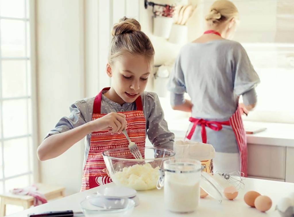 wshg blog | 5 ways to get your kids in the kitchen (but not