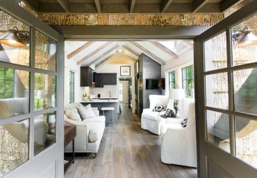Clayton Tiny Homes, Jeffrey Dungan Designer Series, Low Country Collection
