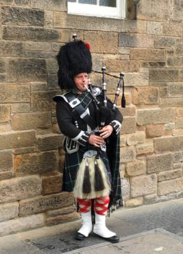 Bag pipe player at Edinburgh Castle