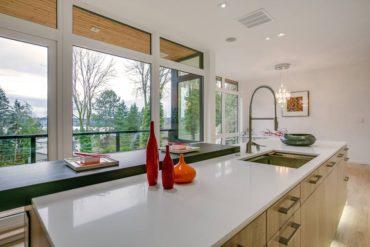 Quartz kitchen island in Super White (Photo courtesy Pental)