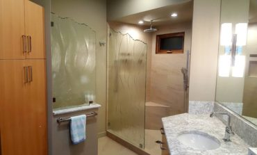 Decorative privacy glass for shower and water closet by Mark Olson of Unique Art Glass