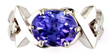 2017 award-winning 3.47-carat Tanzanite ring