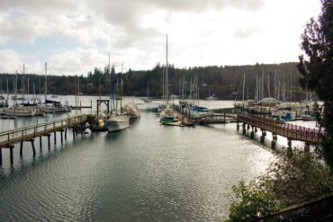 The pub's own marina enables boaters to tie up outside.