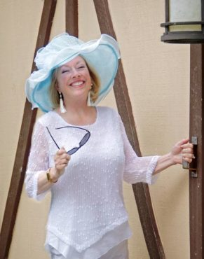 Photo courtesy Winifred Whitfield Hat courtesy Cameo Boutique & Wine Shop Barn door courtesy Lucinda and Jerome Capers