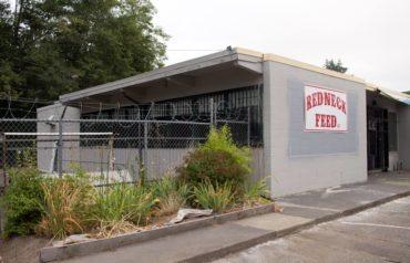 Redneck Feeds, Belfair