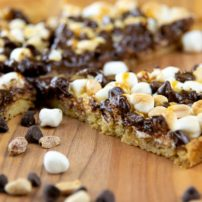 rocky road sweet pizza