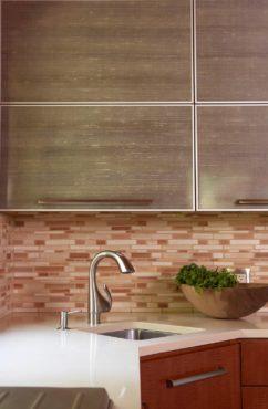 Contemporary-figured anigre base cabinet with aluminum-framed wall cabinets with Lumicor Italian silk (Photo Courtesy Rachel Olsson)