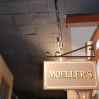 Moeller's sign