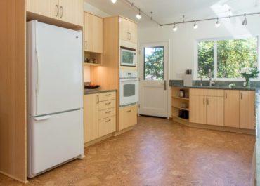 Freestanding refridgerator with bottom mount freezer (Photo courtesy A Kitchen That Works, LLC)