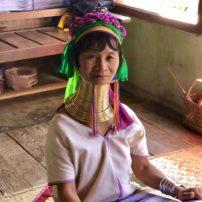 Longneck women weaving