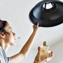 replacing lightbulbs led