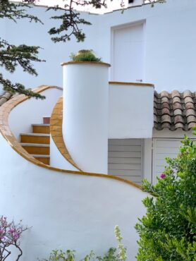 Outdoor application of tile, Spain