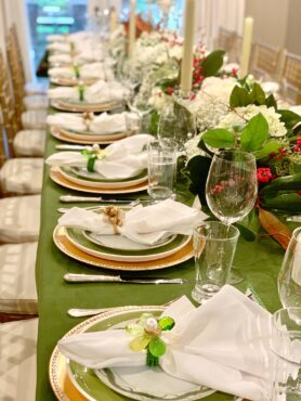 Holiday table top décor (Photo courtesy Andrea Braund Design)