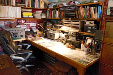 Arthur Davenport's ham radio desk