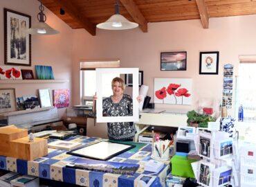 Photographer Dinah Satterwhite working in studio (Photo courtesy Dinah Satterwhite)