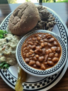 Wigwam pulled pork with side o' beans