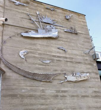 Metal wall sculptures at Ancich Waterfront park by Olalla artist Gary Jackson
